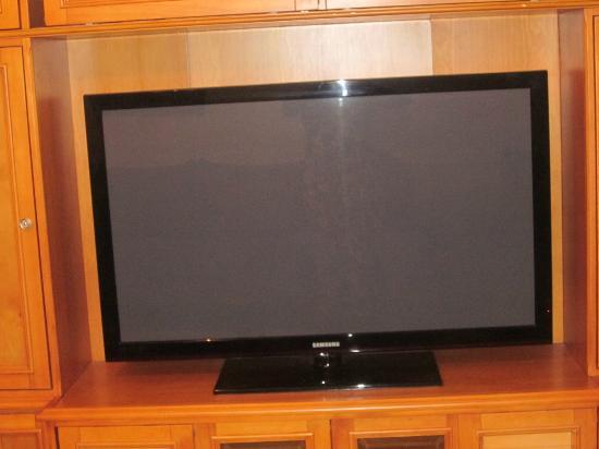 Myrtlewood Villas: Huge flat screen in living room