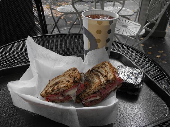 Mountain Deli : My sandwich was delightful!