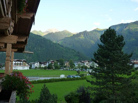Hotel Garni Glockenstuhl: balcony view