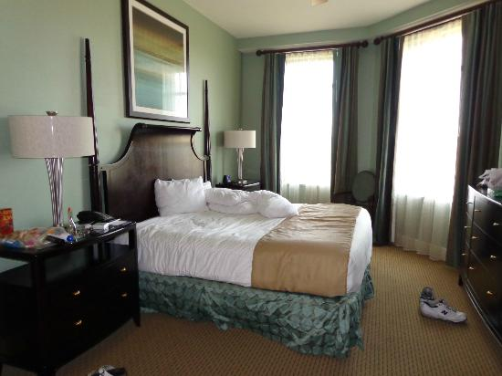 Wyndham Vacation Resorts At National Harbor: master bedroom