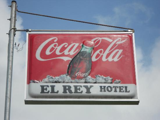 El Rey Hotel: Hotel Sign