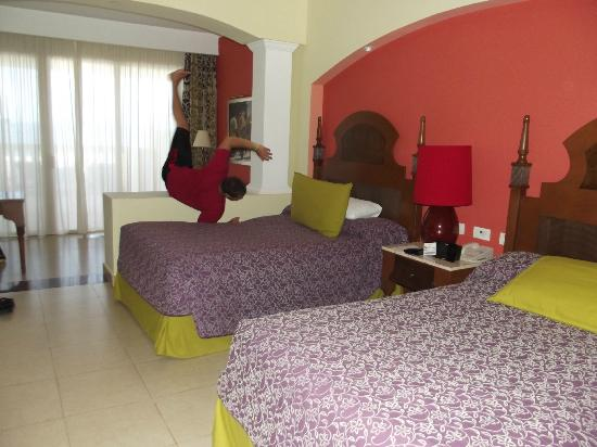 Iberostar Rose Hall Suites: 2 bed suite