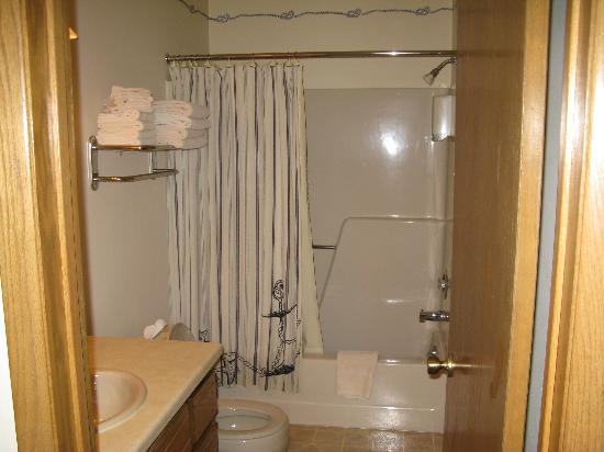 The Landing Resort : Bathroom