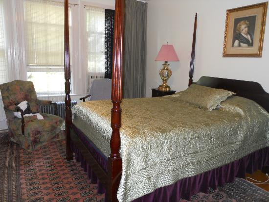 Wainwright Inn: First floor bedroom