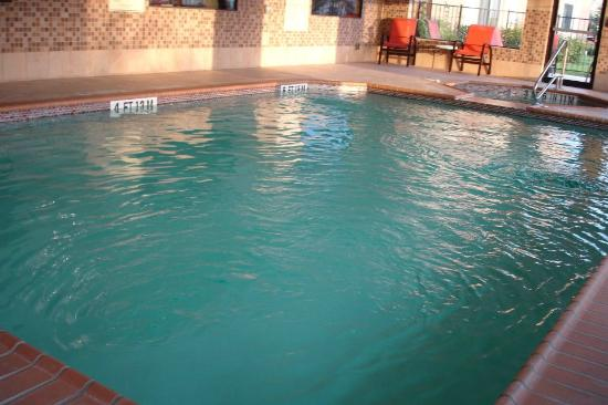 Best Western Plus Palo Alto Inn & Suites: Shallow pool 5'