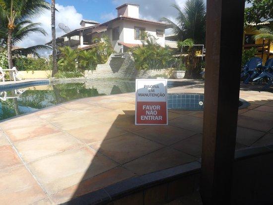 Barra Sol Praia Hotel : 4 dias sem entrarmos na piscina .