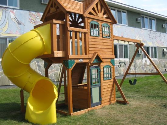 Travelodge Kenora: Play structure