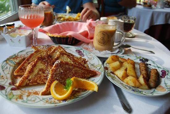 Lamplight Inn Bed and Breakfast : Breakfast