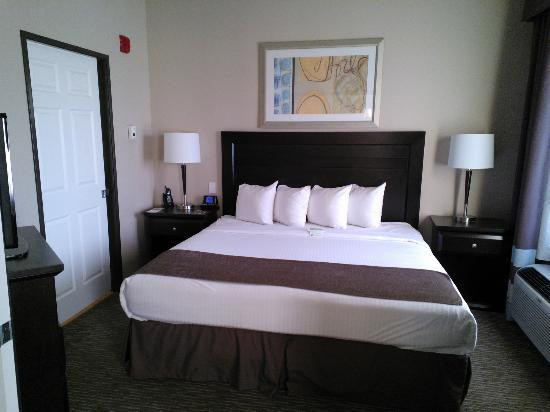 Best Western Plus St. Rose Pkwy/Las Vegas South Hotel: Jacuzzi Suite Bedroom