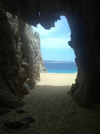 Playa del Amor (Lover's Beach) : la cueva
