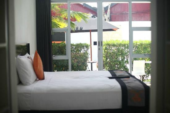 Bali Yarra Villas: view fr bedroom