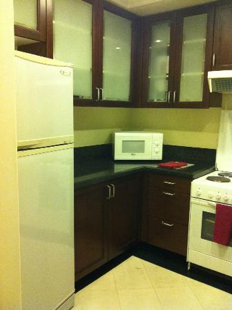 Ascott Makati: kitchen