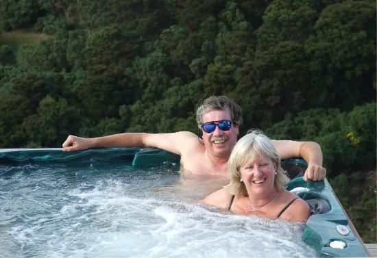 Highland Peaks: Outdoor spa pool