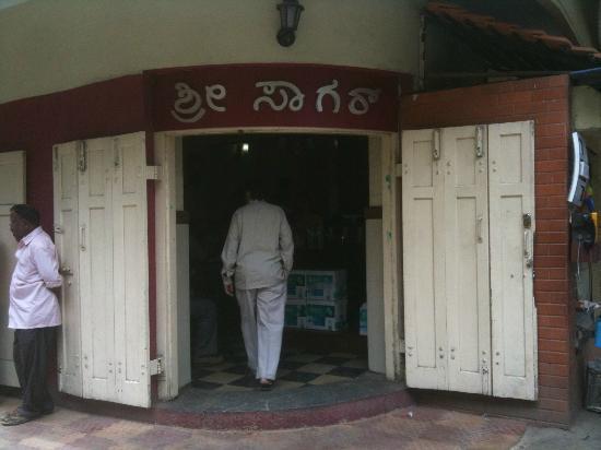 Shri Sagar (C.T.R): Situated in the heart of Malleswaram