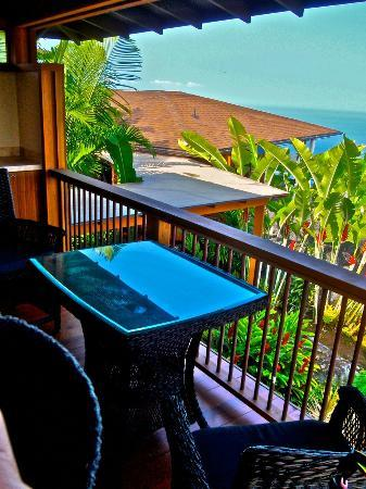 Haleakala Bed and Breakfast: Private Lanai and Sunset View