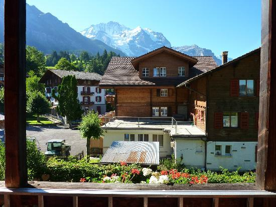 Hotel Edelweiss: yes, this was my view of the Jungfrau for 3 nights