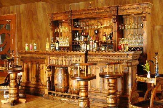 Lahari Resorts: Bar