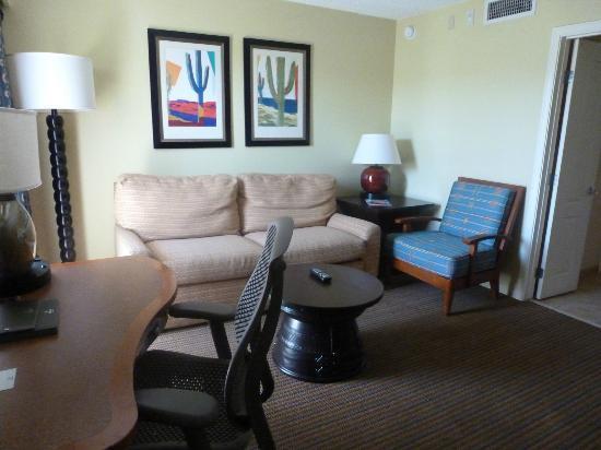Pointe Hilton Squaw Peak Resort: Living room