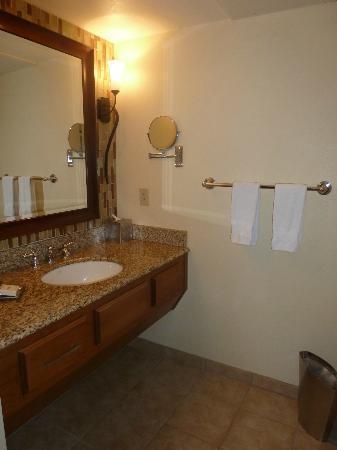 Pointe Hilton Squaw Peak Resort: Vanity