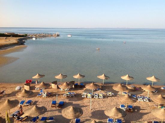 Magic Beach Hotel: Vue panoramique de la mer rouge de la suite.