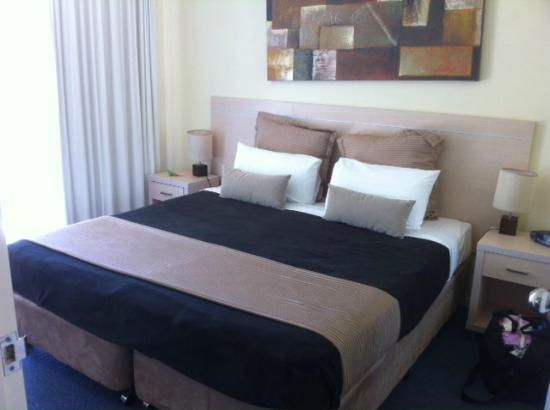The Landmark Nelson Bay: Main bedroom in 402