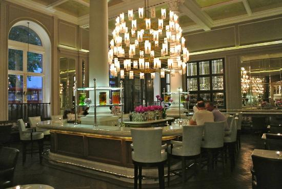 Northall bar picture of corinthia hotel london london for Hotels 02 london
