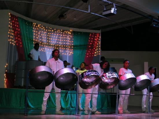 Beaches Ocho Rios Resort & Golf Club: Entertainment each evening
