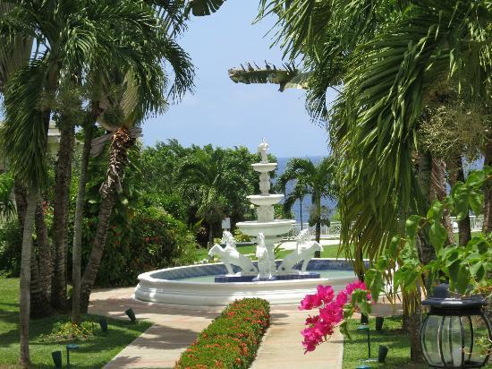 Beaches Ocho Rios Resort & Golf Club: Hotel entrance