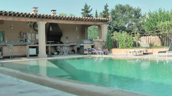 Le mazet lancon provence frankrijk foto 39 s reviews en prijsvergelijking tripadvisor - Hotel f1 salon de provence ...