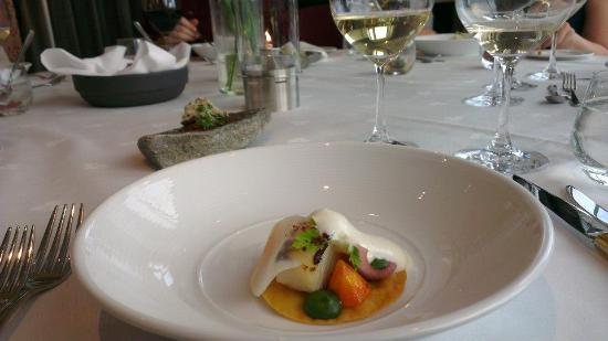 "Glassgarden Brasseri & Grill : Clip fish ""quiche"" with carrot and potato foam"