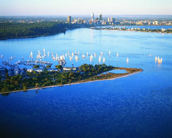 The Richardson Hotel & Spa: Swan River and Perth City - View from Kings Park