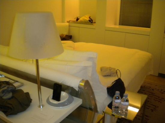 Sanderson London Hotel: camera spaziosa ,3 finestre,ottima climatizzazione
