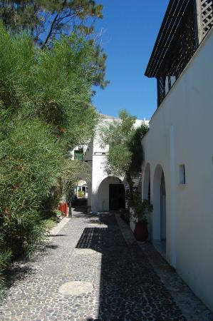 Drossos Hotel: La cour