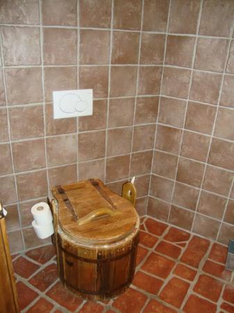 Hotel Bergergut: WC in der Teufelchensuite