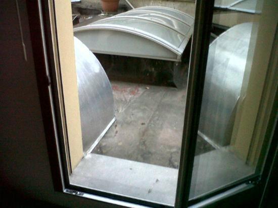 Hotel Bertusi: rumori dalla cucina che obbligano a sveglia prestissimo