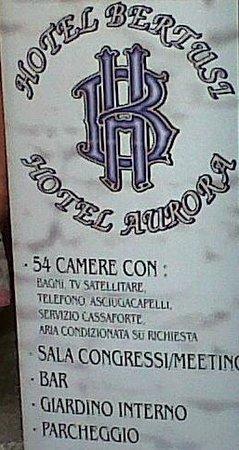 """Hotel Bertusi: Pubblicizzata """"Aria condizionata su richiesta"""" ma poi dichiarato che non c'è l'impianto"""
