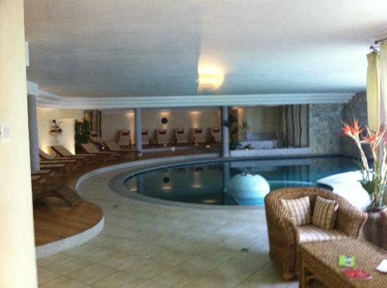 Hotel Cristallo: Piscina interna