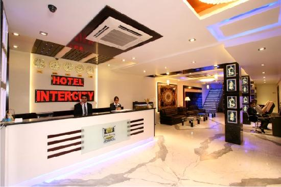 Hotel Intercity: Hotel Lobby Reception Desk