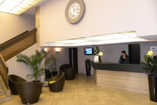 Kyriad Nice Gare Hotel   Voir Les Tarifs  95 Avis Et 225