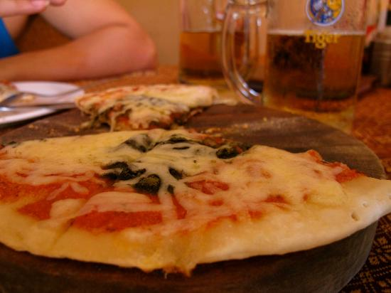 Ecstatic Pizza: Simple and tasty.
