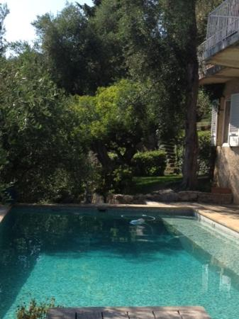 Domaine Pins Paul: piscina