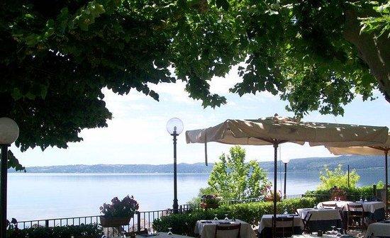 Ristorante sul lago di Bracciano - Recensioni su Cantine del Savio ...