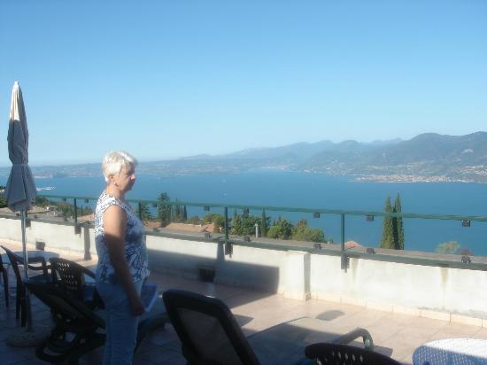 San Zeno di Montagna, Italien: Dachterasse mit traumhaften Rundblick