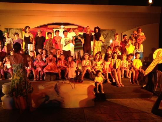 Grecotel Rhodos Royal: theatre night