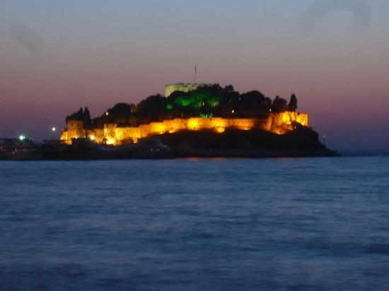 Ladies Beach Hotel: Pigeon island kusadasi