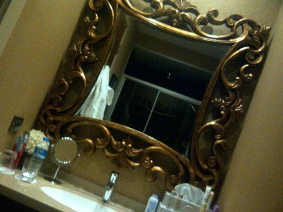 Stories Hotel Karakol: nice bathroom 