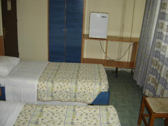 Hotel El Greco: TWIN BED ROOM