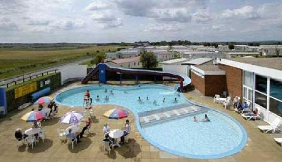 Barmston Beach Holiday Park - Park Resorts: Our Heated Pool
