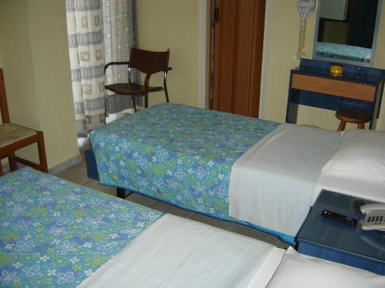 Hotel El Greco: TWIN BED ROOM