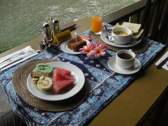 Coral Redang Island Resort: Colazione per compleanno